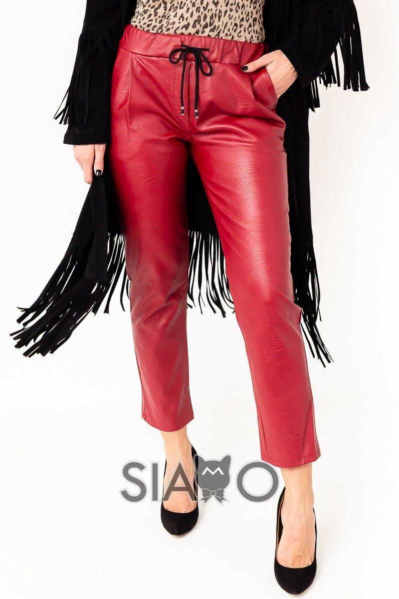 Pantaloni largi visiniu imitatie piele cu snur reglabil si buzunare