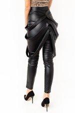 Pantaloni dama negri imitatie piele cu bretele laterale