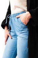 Pantaloni lejeri imitatie blugi cu snur reglabil in talie si buzunare