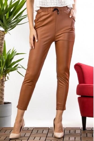 Pantaloni dama maro imitatie piele cu talie inalta si banda elastica cu snur model vatuit