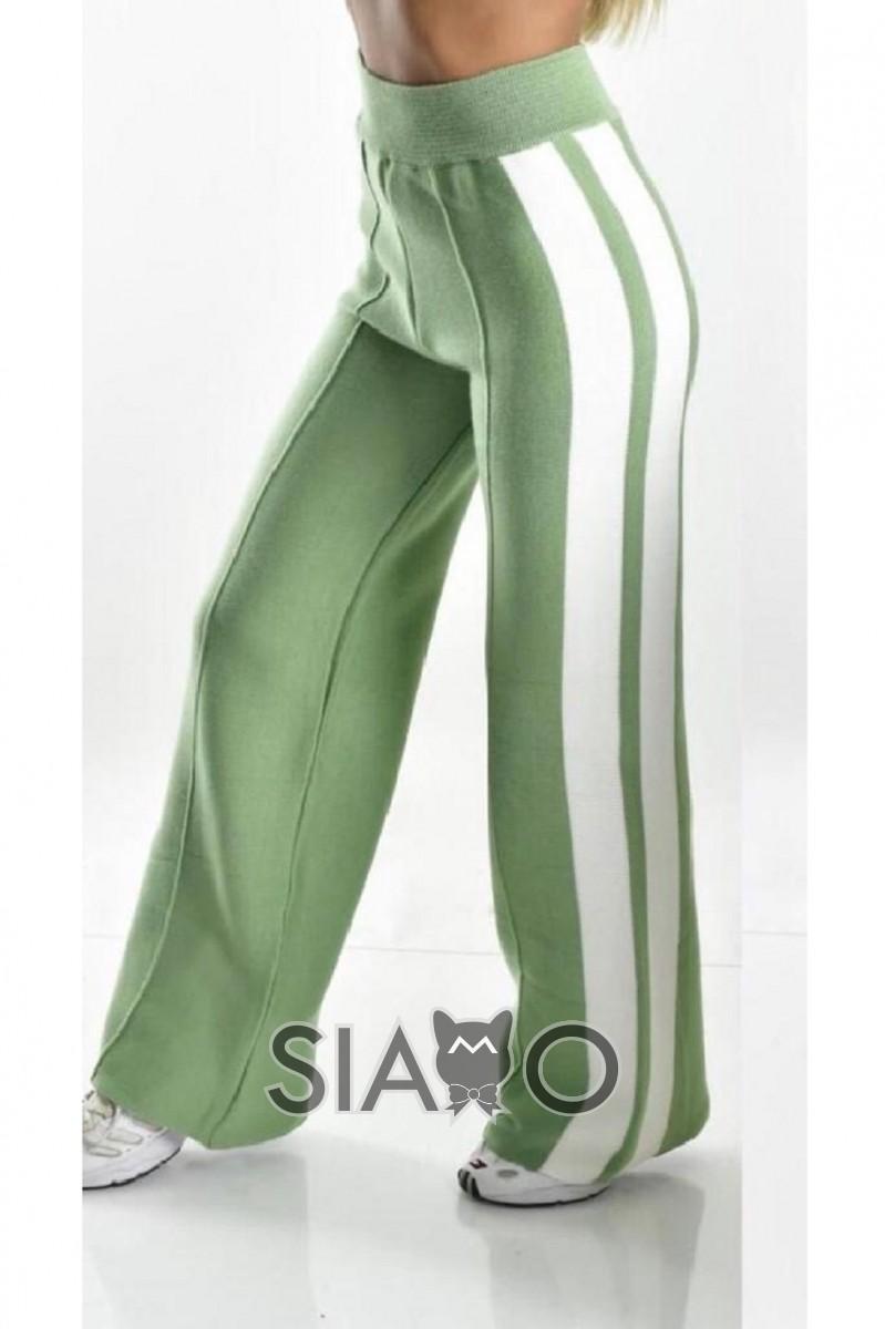 Pantaloni dama evazati din tricot verde